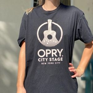OPRY CITY STAGE New York City T-Shirt (L)